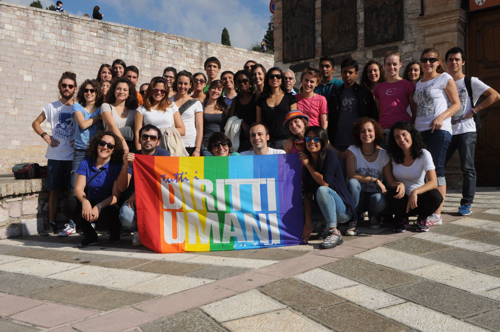 Foto di gruppo di studenti e volontari in Servizio Civile Nazionale dell'Università di Padova ad Assisi, 18 ottobre 2014.