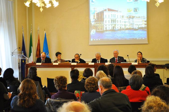 """Tavolo relatori seminario """"Diritti-Bambini-Equità"""", Palazzo della Regione Veneto, Venezia, 20 febbraio 2013"""
