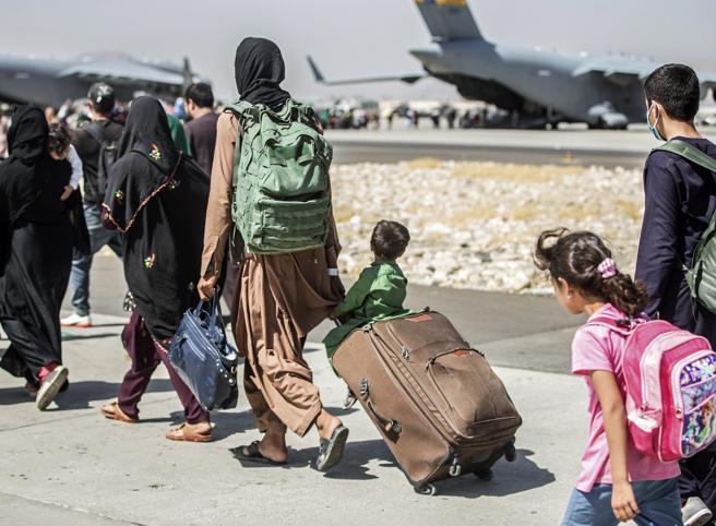 """""""L'Afghanistan e noi"""". Giovedì 2 settembre, dalle 17.30 """"Un'ora con…"""" Articolo21"""