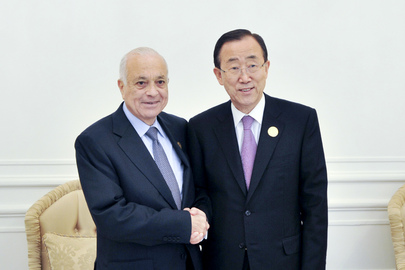 Secretary-General Ban Ki-moon (right) meets with Nabil el-Araby, Secretary General of the League of Arab States, before attending the League's annual summit, in Baghdad, Iraq.