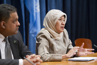 Siti Ruhaini Dzuhayatin (right), member of the Independent Permanent Human Rights Commission of the Organization of Islamic Cooperation (OIC), addresses a press conference on the work of the Commission.