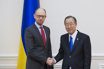 Secretary-General Ban Ki-moon meets with Arseniy Yatsenyuk, Prime Minister of Ukraine, March 2014.