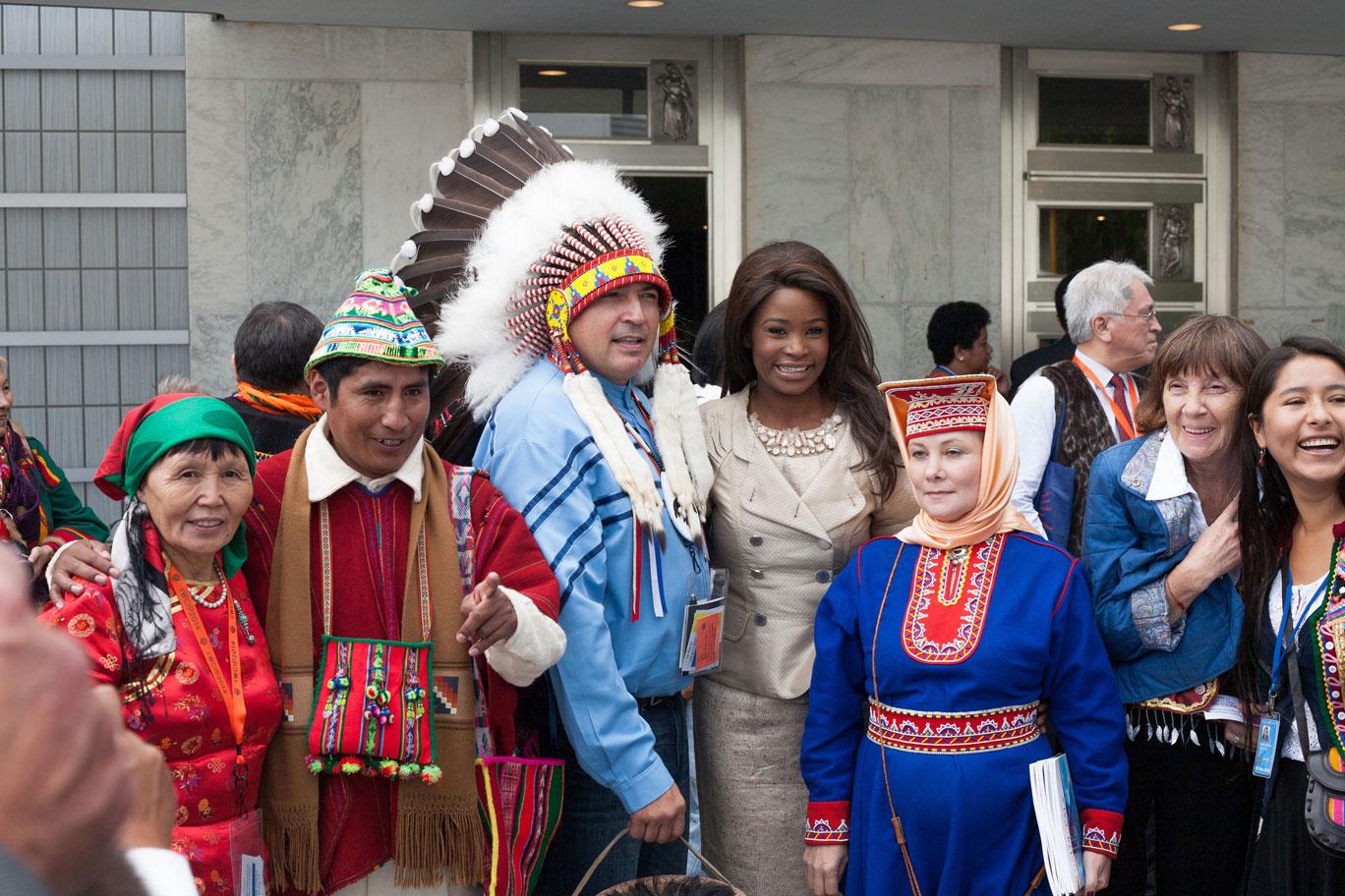 Un gruppo di partecipanti alla Conferenza mondiale sui popoli indigeni, 22-23 settembre 2014