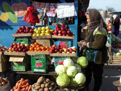 Street market, Aralsk (Kazakhstan), 2006