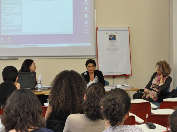 """Seminario """"Peacekeeping civile. Il lavoro per la pace di Nonviolent Peaceforce"""", Centro diritti umani, Padova, 24 maggio 2010. Intervento di Gabriella Chiani, operatrice Nonviolent Peaceforce."""