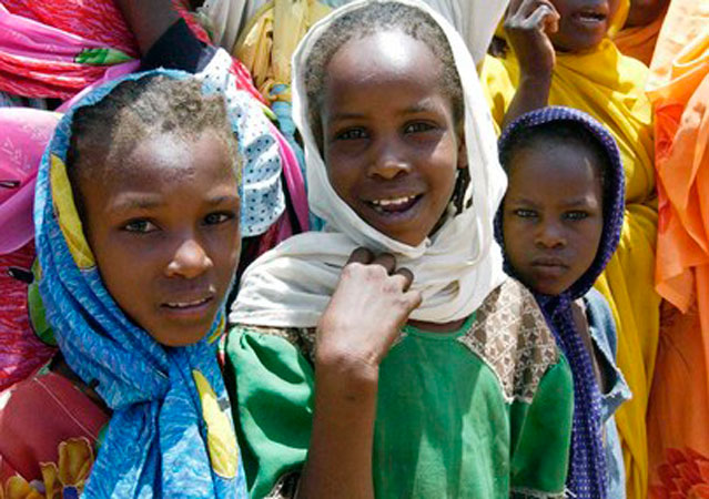 Un gruppo di bambini sfollati in Darfur, 2011