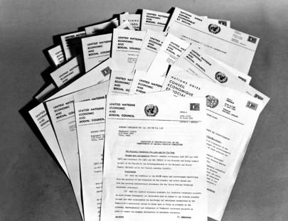 Collage di documenti ECOSOC
