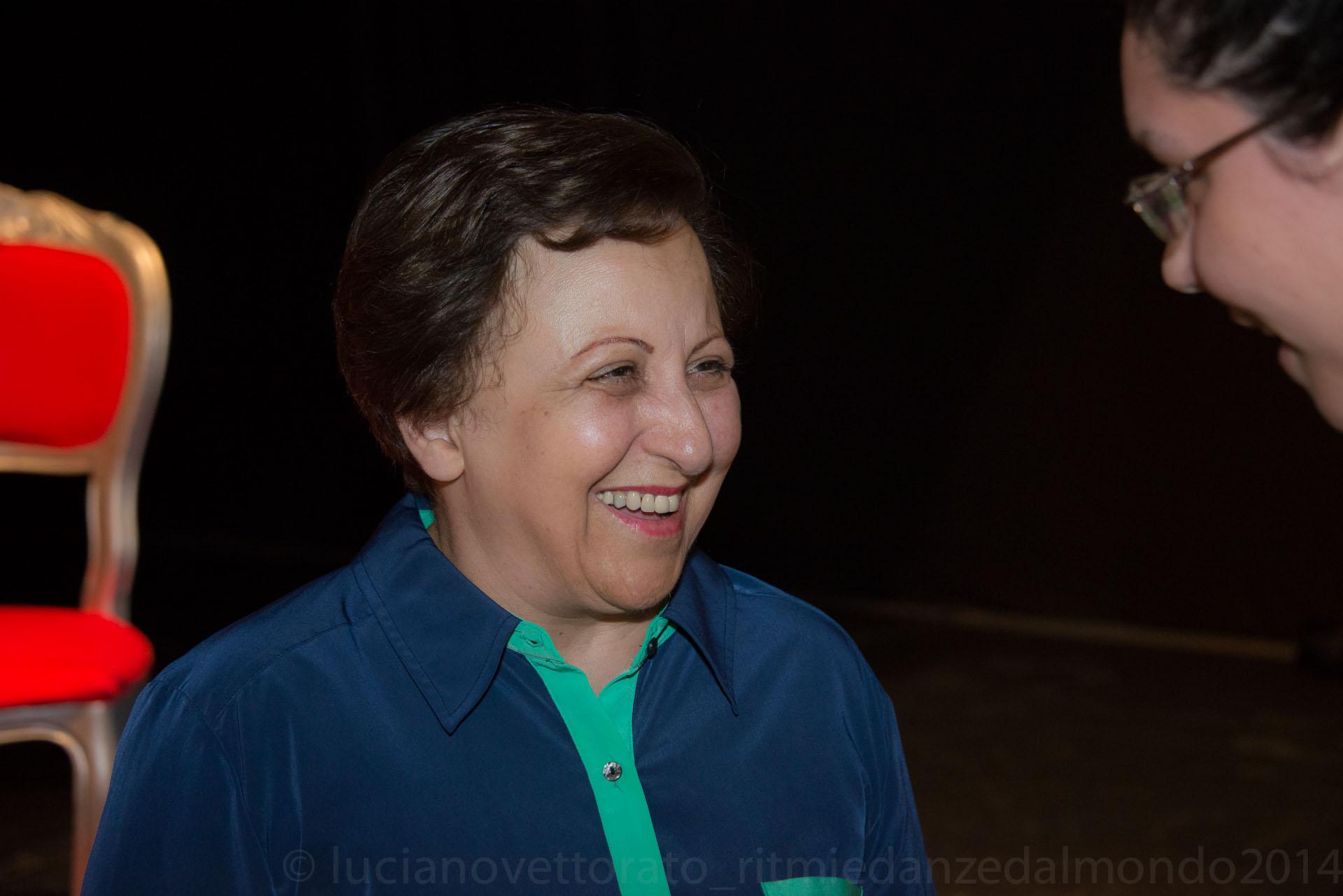 Shirin Ebadi, Premio Nobel per la Pace 2003 per il suo impegno nella difesa dei diritti umani e a favore della democrazia.