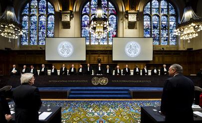 Giudici della Corta Internazionale di Giustizia durante l'apertura delle audizioni pubbliche