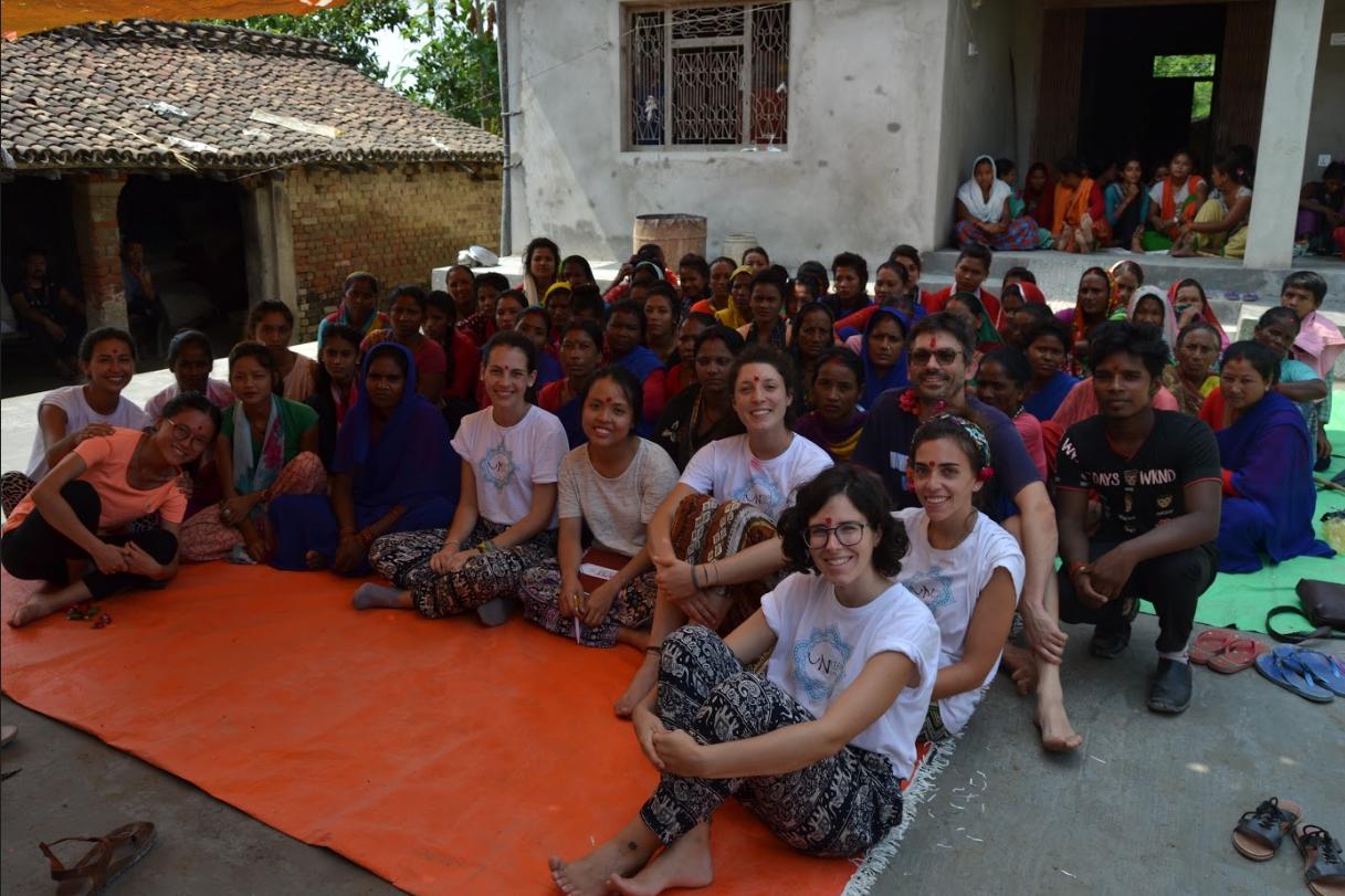 """Studenti della Magistrale """"Human Rights Multi-level Governance"""" durante la Winter School """"Microfinance in Action"""" in Nepal"""