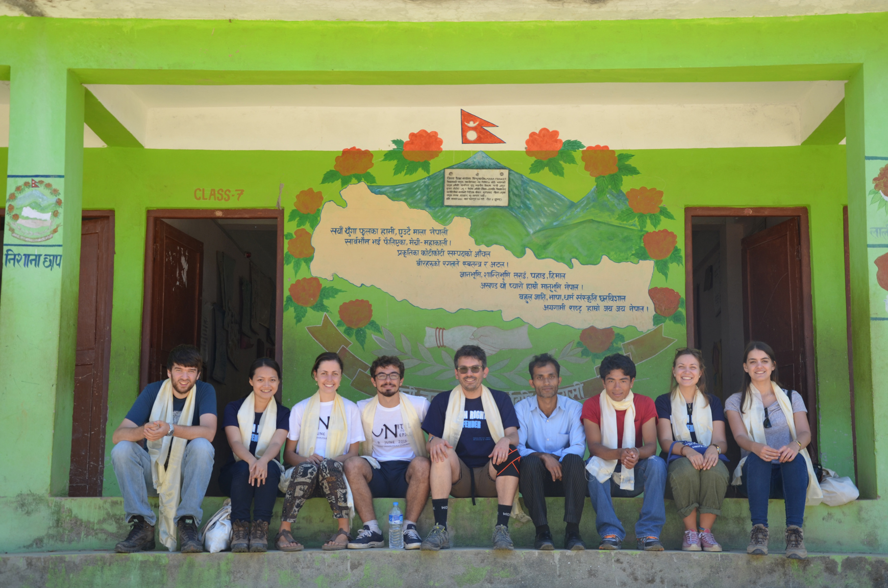 Shree Koldaung Devi Secundary School (Meshipa, Sindhupalchok), students and professor