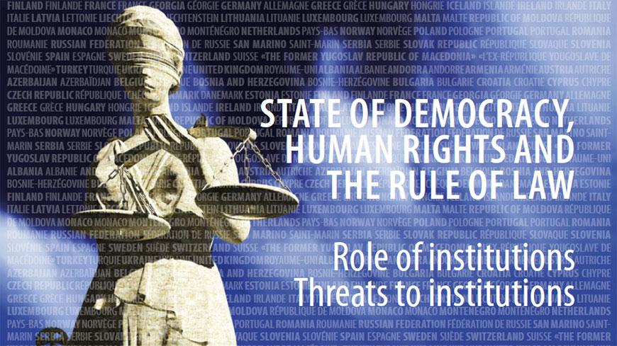 """Copertina del Rapporto 2018 del Segretario Generale del Consiglio d'Europa sullo stato della democrazia, dei diritti umani e dello stato di diritto: """"Ruolo delle istituzioni e minacce al loro buon funzionamento"""""""