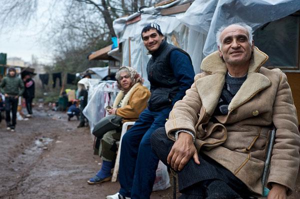 Foto scattata al campo rom Casilino 900 (Roma) durante la visita del Commissario Hammarberg (CoE) nel 2009.