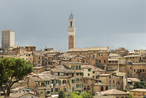 "Panoramic picture od the city of Siena, with, at the centre, the ""Torre del Mangia"""