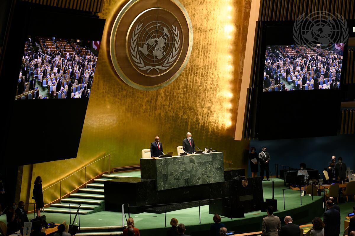 Segretario generale Antonio Guterres (alla destra) e Abdulla Shahid, Presidente della 76° sessione dell'Assemblea Generale delle Nazioni Unite