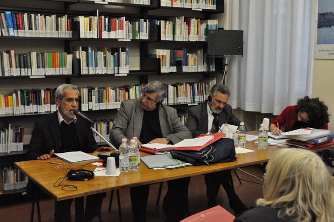 "Reza Rashidy, coordinator of Venice project sponsored by UNAR (National bureau against racial discrimination), presents the dossier given to ECRI Commission, ""P.Cancellieri"" library, Human rights centre, Padua, 24 November 2010."