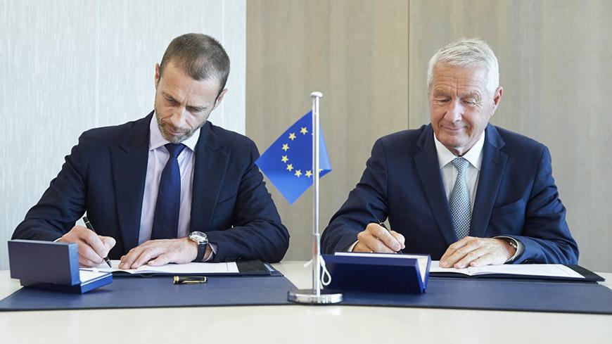 Firma del memorandum d'intesa tra Consiglio d'Europa e UEFA