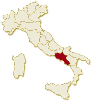 Carta geografica politica dell'Italia, suddivisa nelle 20 regioni, su sfondo chiaro con evidenziata in rosso l'area del territorio della Regione Campania.