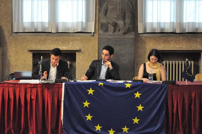 Gli studenti dei corsi di laurea dell'Università di Padova simulano una sessione della Commissione LIBE del Parlamento Europeo sull'attribuzione a cittadini di paesi terzi o apolidi della qualifica di rifugiato o di persona altrimenti bisognosa di protezione internazionale, 4 giugno 2012.
