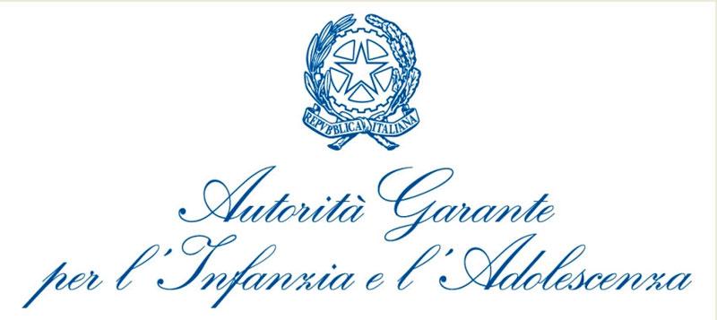 """sfondo bianco, in alto simbolo della Repubblica italiana, al centro scritta blu """"Autorità Garante per l'infanzia e l'adolescenza"""""""