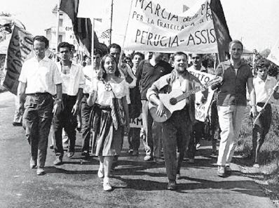 """An archival picture of the Peace March Perugia Assisi, taken from the Programme of the Seminar: """"Il seme e l'albero. R-Esistere oggi in Italia con Aldo Capitini e Giorgio La Pira"""", 2011"""