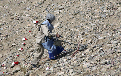 Un esperto individua una mina anti-uomo in Afghanistan