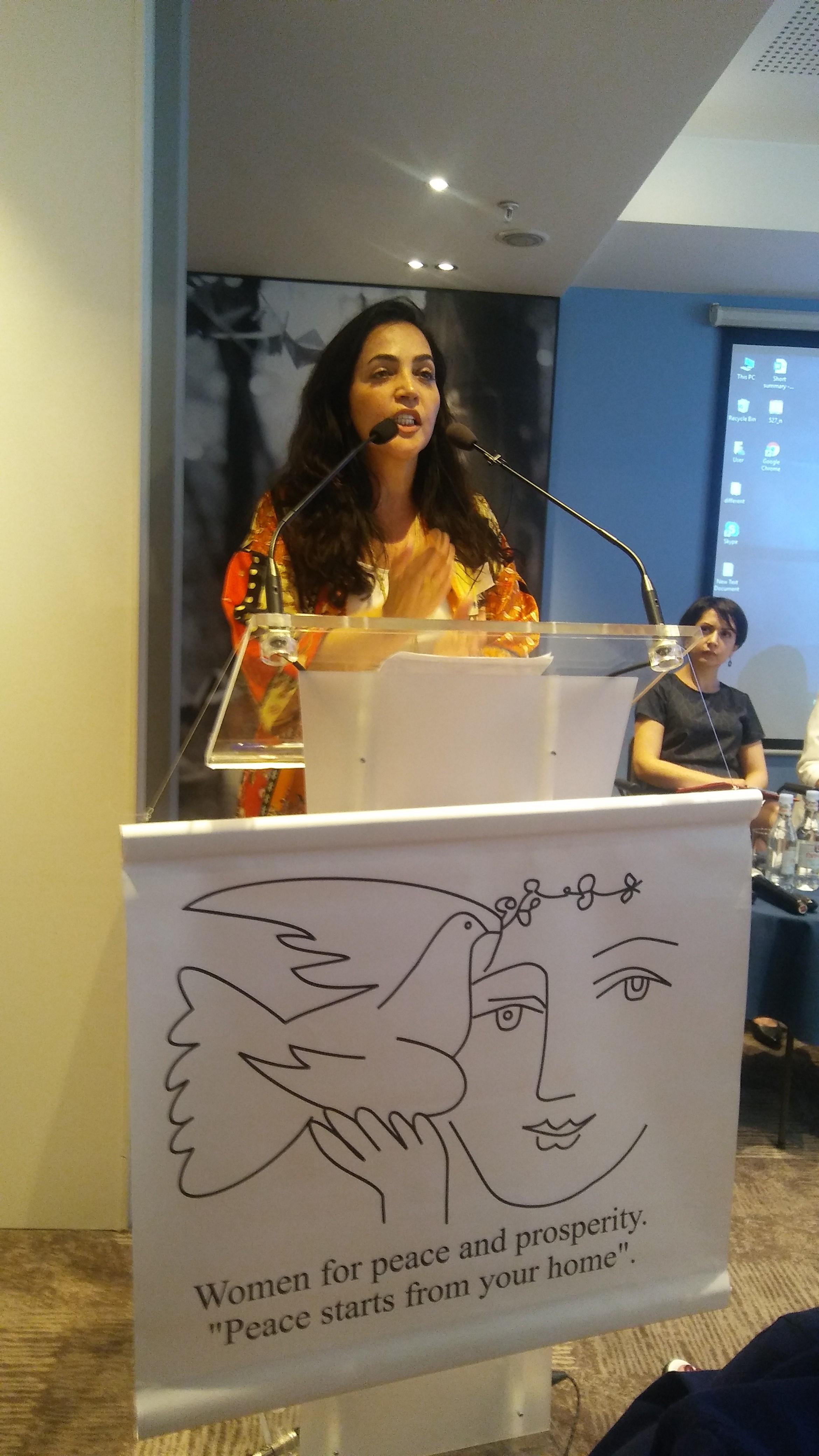 Foto di una delle premiate della Conferenza