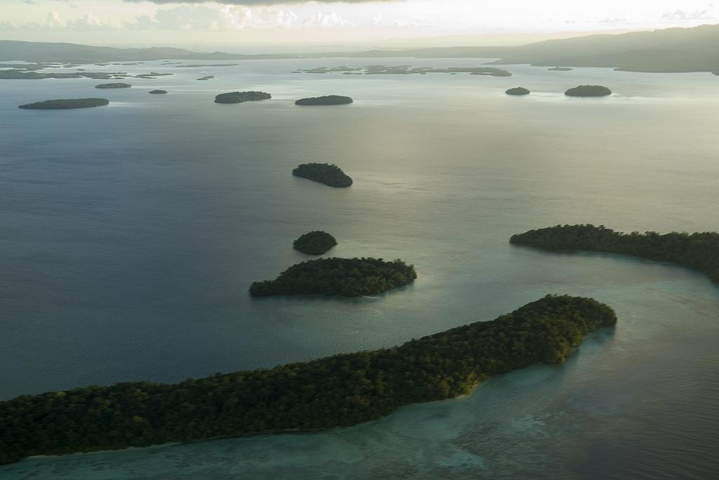 Vista aerea della Laguna Marovo, Isole Salomone