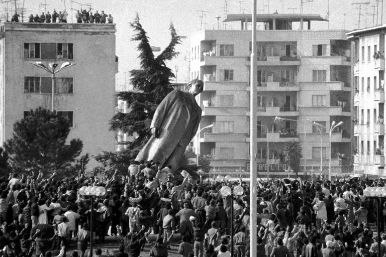 The toppling of Hoxha's statue - 20 February 1991