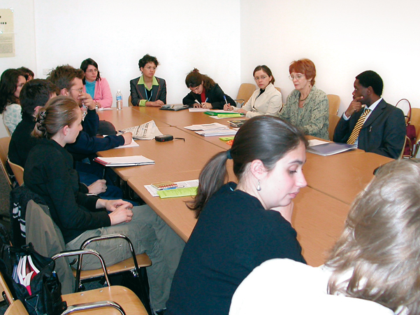 Students during a Study Trip at the United Nations Headquarters, in occasion of the 60th session of the Human Rights Commission. Geneva, Maison des associations, Aprile 2004.