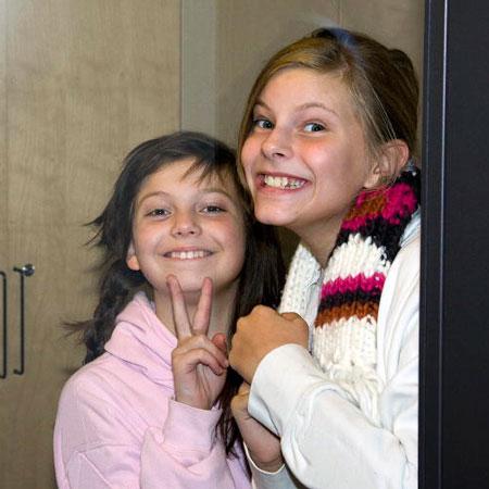 """Due studentesse della scuola di arti dello spettacolo """"Kulturama"""" di Stoccolma"""