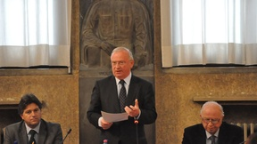 Jean Monnet Public Lecture by Luc Van den Brande, former president Committee of the Regions of the EU, president of CIVEX, special advisor to the EU Commissioner of Regional Affairs, Padua, March 2012