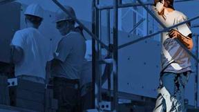 Persone che lavorano in un cantiere edile