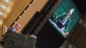 Il Vice Segretario Generale Jan Eliasson si rivolge all'Assemble Generale