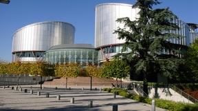 Foto panoramica della sede del Palazzo dei diritti umani che ospita la Corte europea dei diritti umani, Strasburgo.