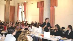 Studenti del Master Europeo in Diritti umani e democratizzazione mentre assistono ad una lezione.