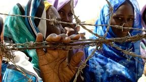 Sfollati interni del campo di Zam Zam fuori da El Fasher, Sudan.
