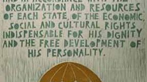 Poster con disegno e testo dell'art. 22 della Dichiarazione universale dei diritti umani.