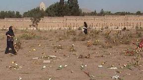 Il cimitero Kharavan dove sono state sepolte in fosse comuni migliaia di prigionieri politici iraniani