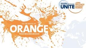 """Sfondo bianco con schizzi di colore arancione e al centro scritto in inglese """"Sei invitato a rendere arancione il tuo vicinato"""", in alto a destra logo della Campagna."""