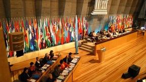 Foto dei lavori di una sessione della Conferenza Generale dell'UNESCO, Parigi.