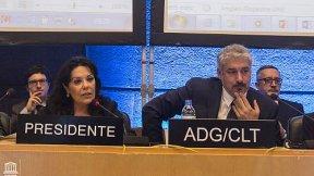 Sua Eccellenza Vincenza Lomonaco, Presidente della settima sessione, ed Ernesto Ottone Ramírez, Vice Direttore Generale per la Cultura