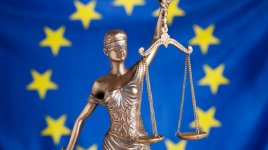 EU bandiera and bilancia